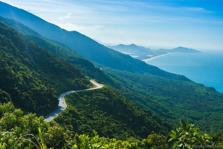 Danang to Hue by car – private driver