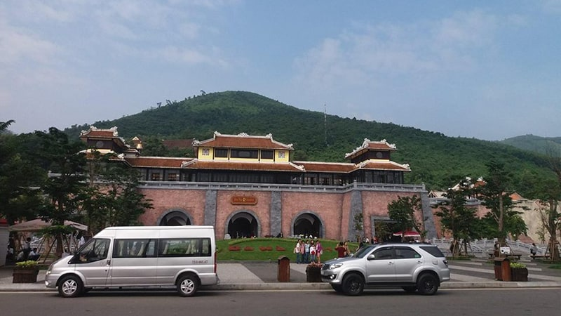 Travel From Hoi An to Bana Hills by car