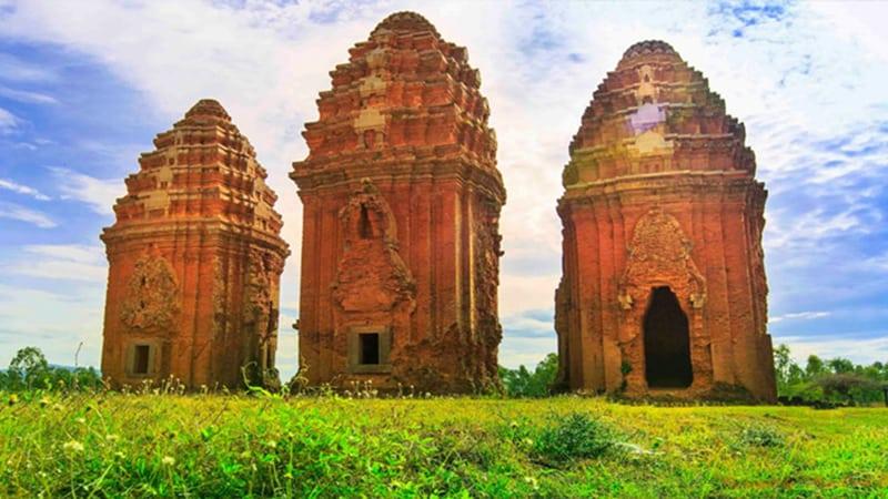 thap-banh-it-temple