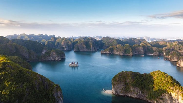 ha-noi-to-halong-bay-by-car
