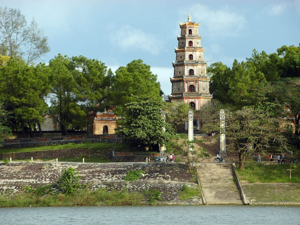 Is Hue worth visiting Thien Mu Pagoda