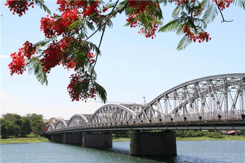 Truong Tien Bridge - Is Hue worth visiting