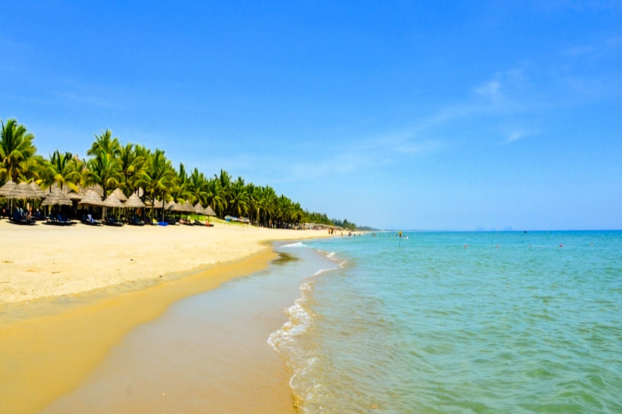 Beautiful Beaches in Hoi An - cua dai beach