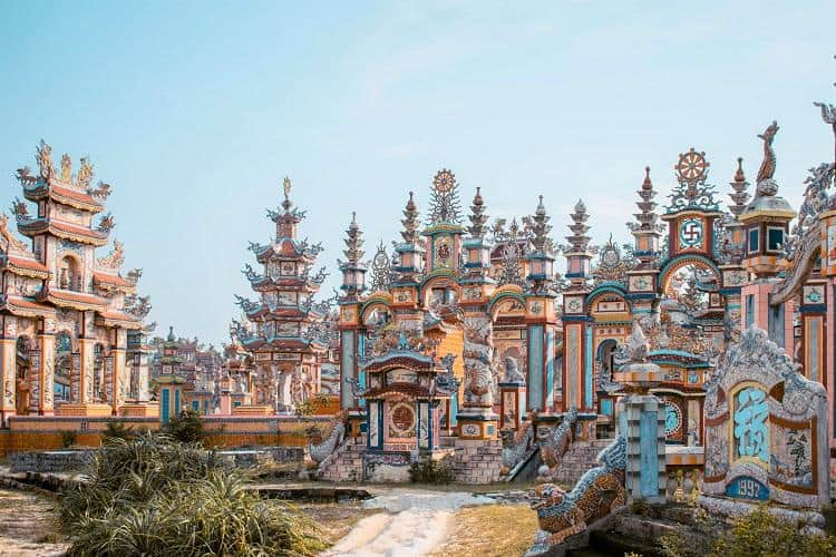 hue-to-an-bang-cemetery-in-vietnam