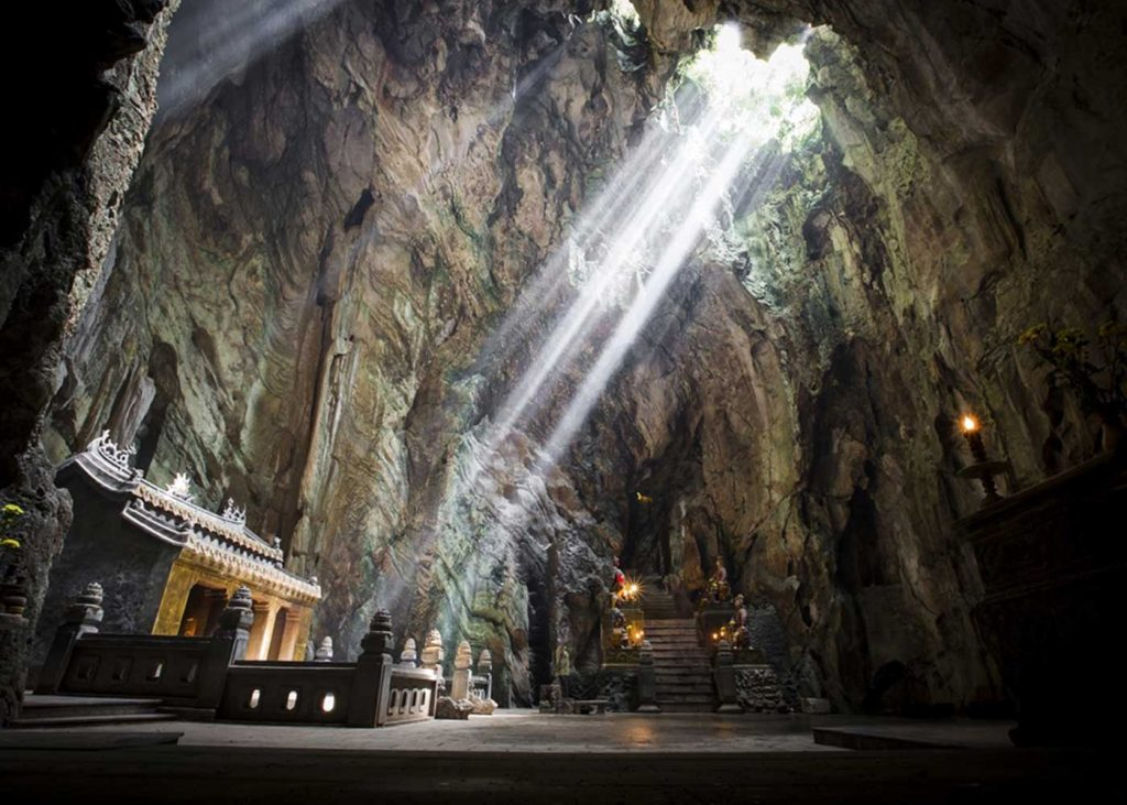 how to go to marble mountain from Hoi An